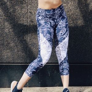 Navy and white floral pattern Leggings!